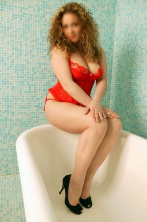 Lu-ann bbc incall escort in Caister-on-Sea, UK